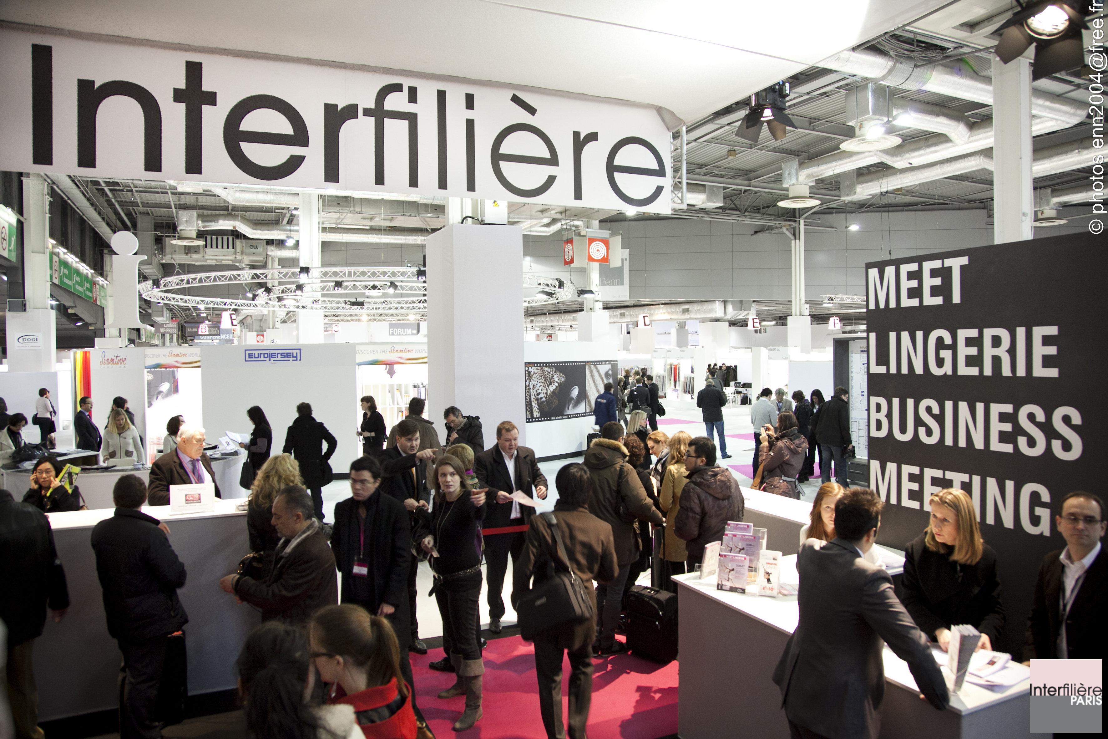 Scatti dal salon de la lingerie e interfiliere 2011 for Salon international lingerie