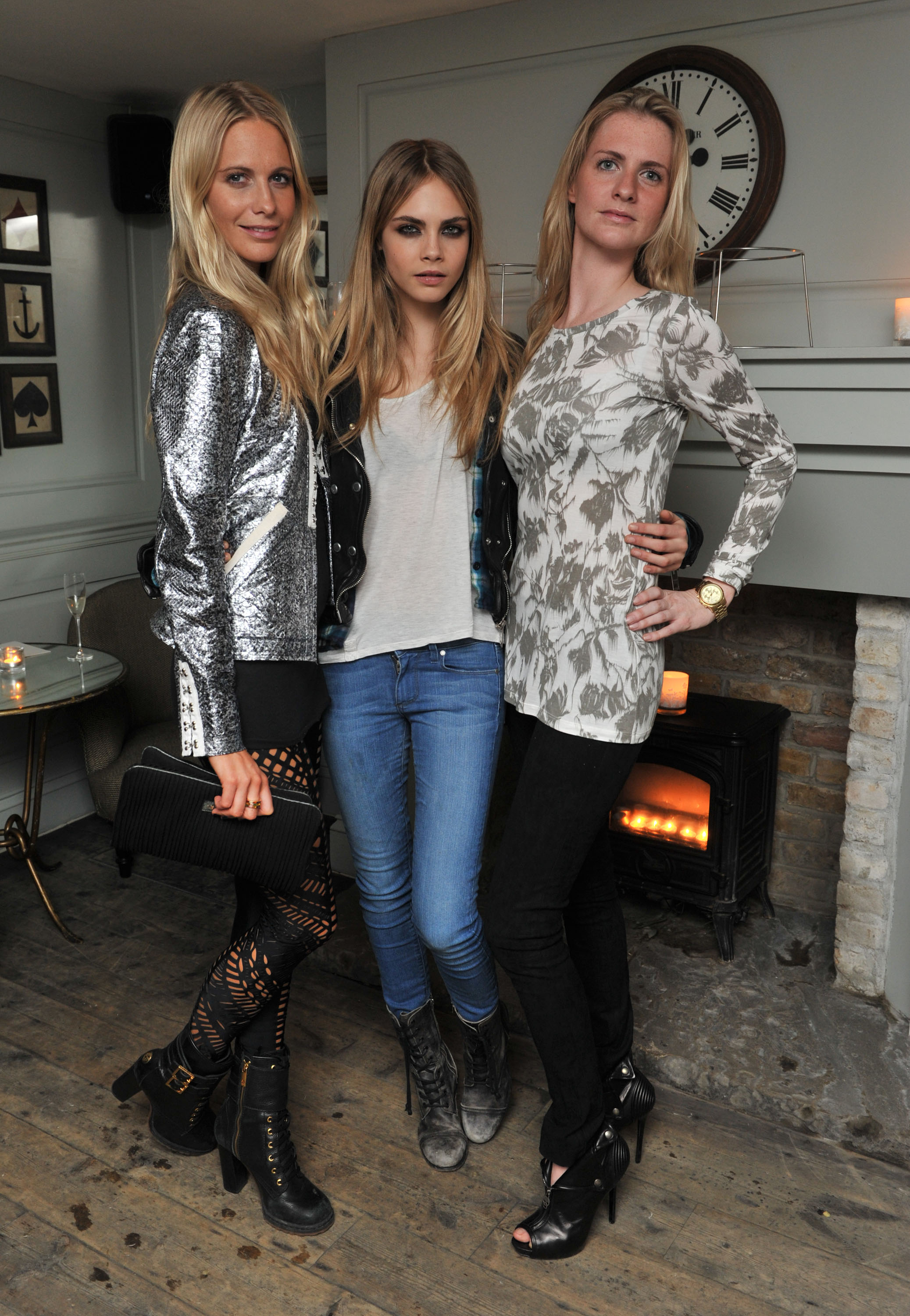 http://modaonlive.files.wordpress.com/2011/03/10-poppy-cara-and-chloe-delevingne.jpg